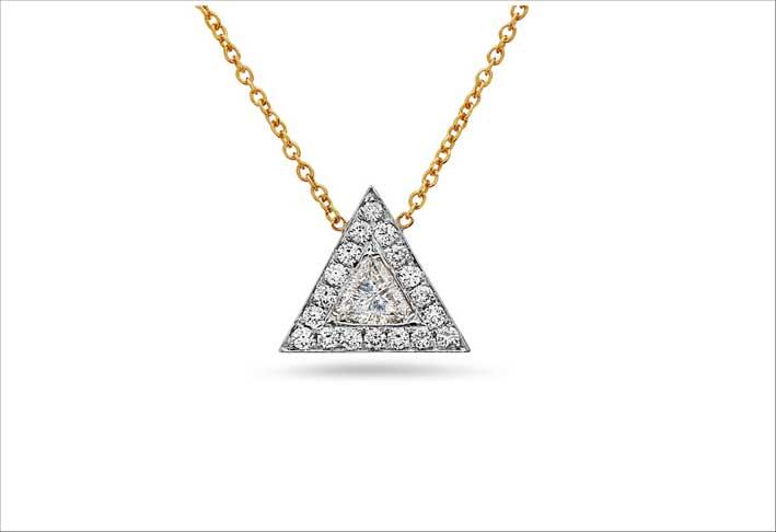 Collana con ciondolo triangolare di diamanti