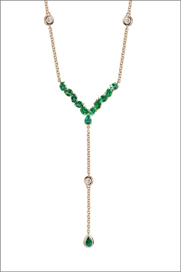 Collana in oro rosa, diamanti e smeraldi