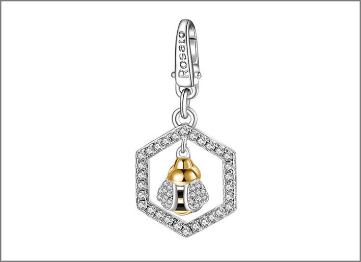 Charm in argento 925 con pavé di zirconi bianchi e pendente a forma di ape. Prezzo: 49 euro