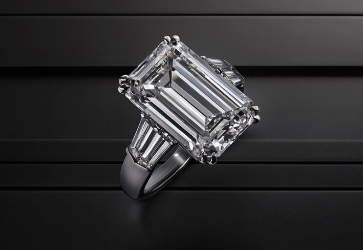 Galleria Leysen, anello in platino e diamante taglio smeraldo da 8,32 carati