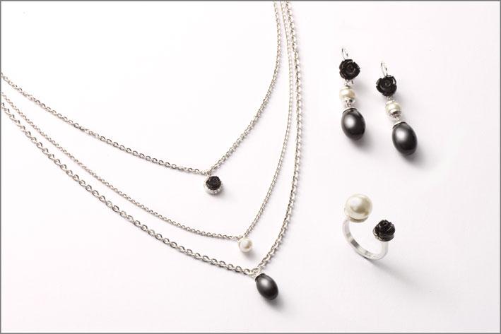 Rebecca, collana e orecchini con perle