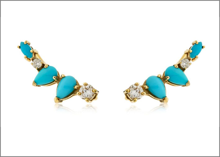 Orecchini con turchesi e diamanti. Prezzo: 2221 euro
