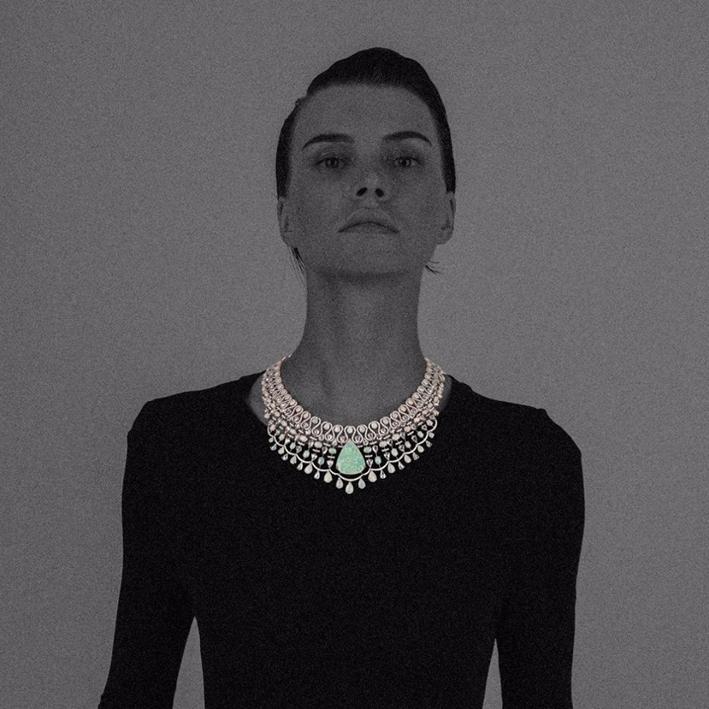 Collana con opale e diamanti