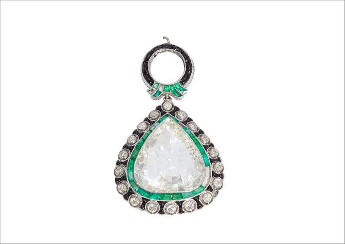 Pendente Art Déco con diamanti, onice e smeraldi