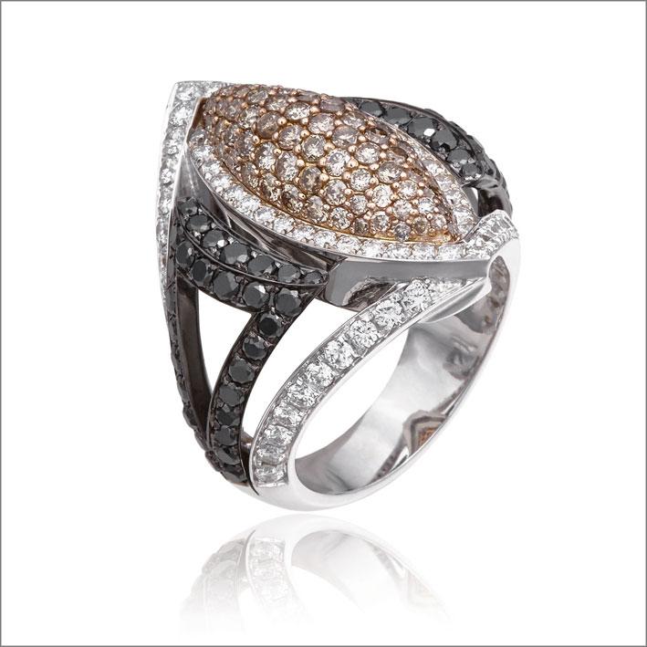 Anello, pezzo unico, oro bianco, diamanti neri e brown
