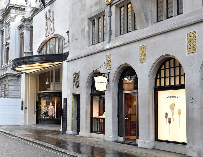 Esterno della boutique Vhernier a Londra