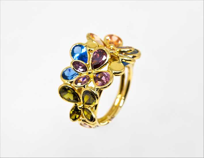 Anello in oro giallo e pietre semi preziose