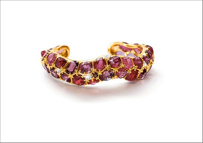 Bracciale in oro, spinelli e rubini