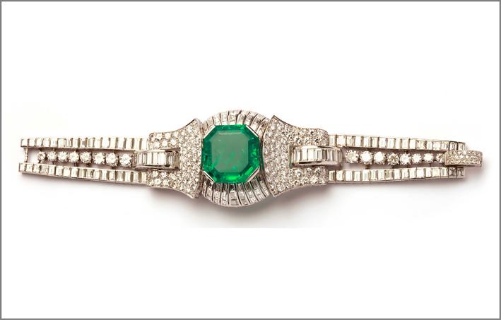 Bracciale del 1928 con smeraldo colombiano di 42 carati