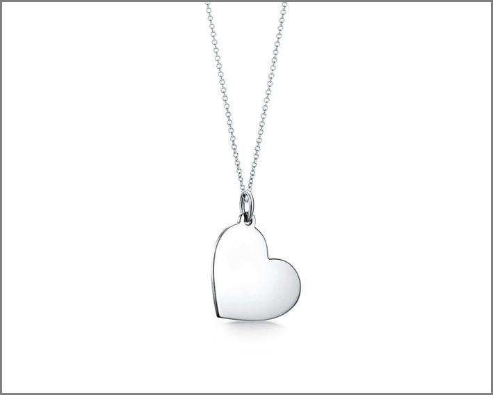 Ciondolo a cuore in argento. Prezzo: 190 euro