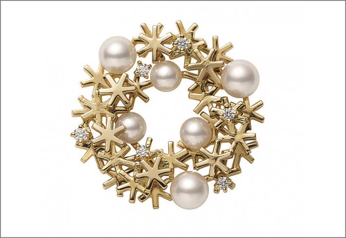 Spilla di perle Akoya in oro giallo 18 carati con diamanti