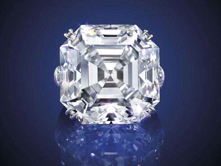 Anello con diamante. Venduto per 3,6 milioni