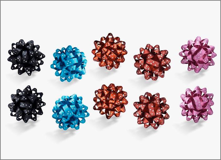 Suzanne Syz, orecchini in alluminio e diamanti
