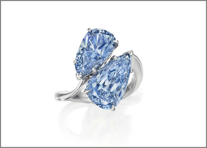 Anello con coppia di diamanti blu di Graff: 12,5 milioni di dollari