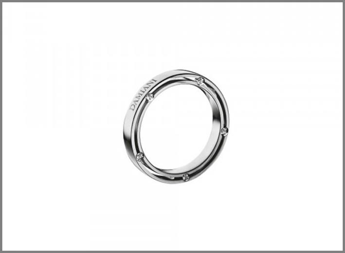 Fede in platino con diamanti. Prezzo: 1840 euro