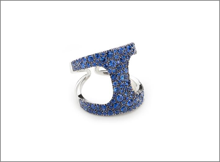 Antonini, collezione Siracusa, anello in oro bianco e zaffiri
