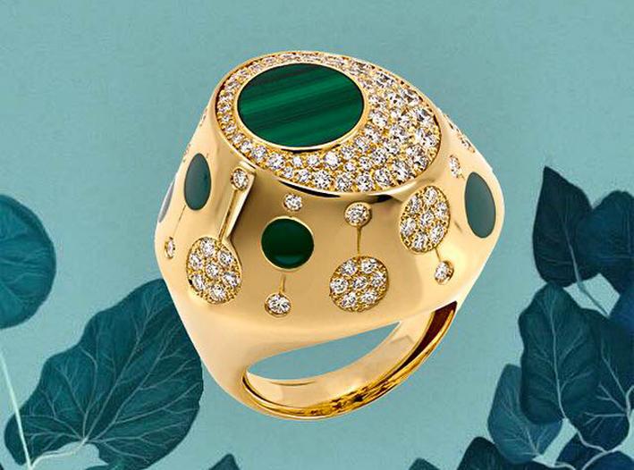 Anello in oro giallo, diamanti, malachite, smalto