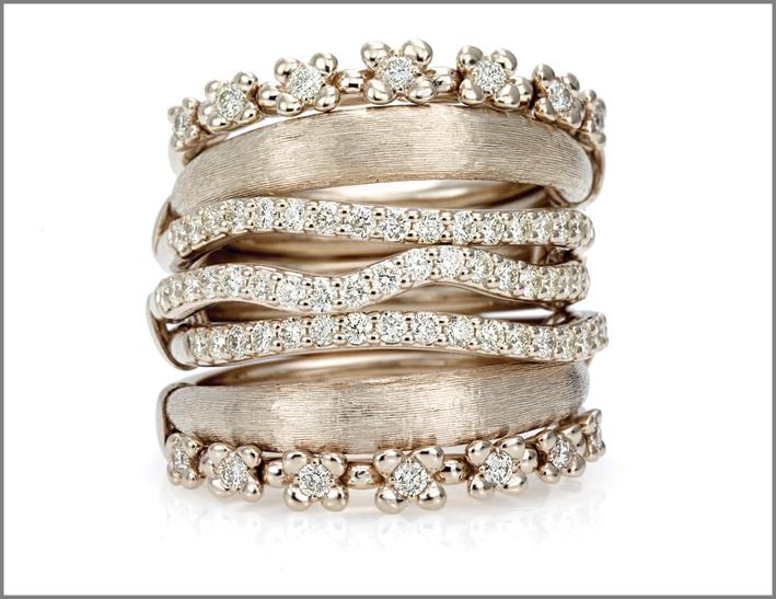 Anello oro bianco naturale, diamanti