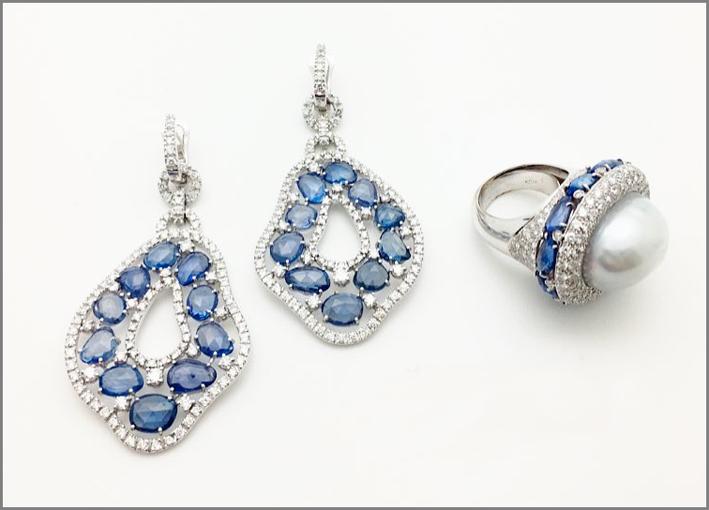 Parure in oro bianco, perle, diamanti e zaffiri