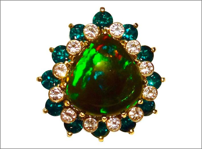 Anello con tsavorite, opale nero, diamanti