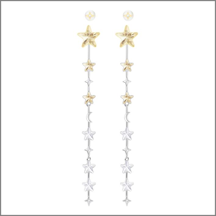 Orecchini in metallo con finitura rodio, oro e cristalli Swarovski. Prezzo scontato del 50%: 59,50 euro