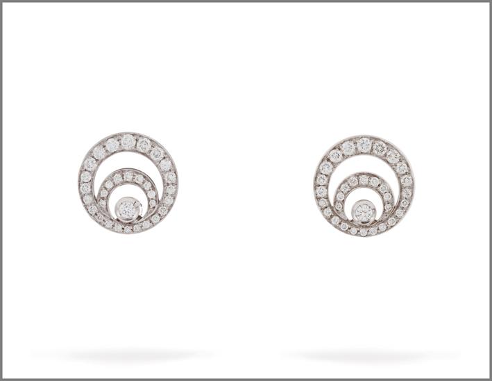 Orecchini in oro bianco con diamanti taglio brillante