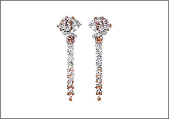 Orecchini pendenti in oro bianco, diamanti bianchi e brown