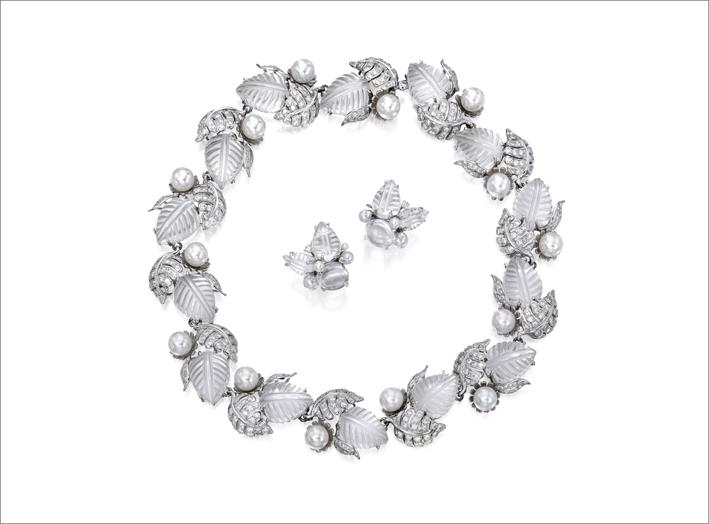 Collana e orecchini di perle coltivate e diamanti