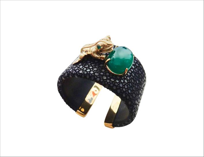 Bracciale con rana Inca in oro 18 carati, agata color smeraldo del Botswana