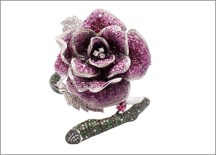 Rose collection, bracciale con zaffiri, rubini, tsavoriti, smeraldi e diamanti