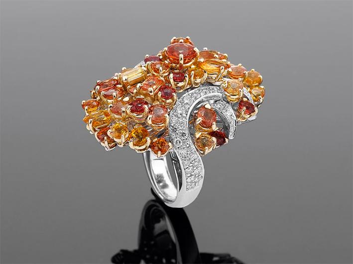 Collezione Dolcevita, anello con zaffiri orange e yellow