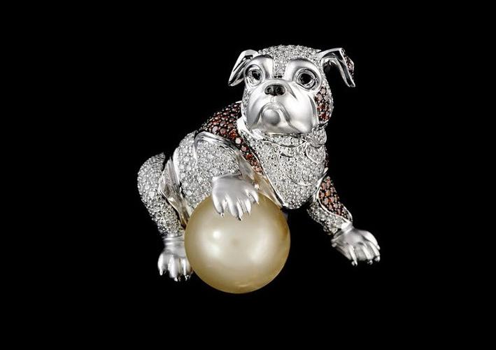 Bulldog francese, oro bianco con diamanti e perla