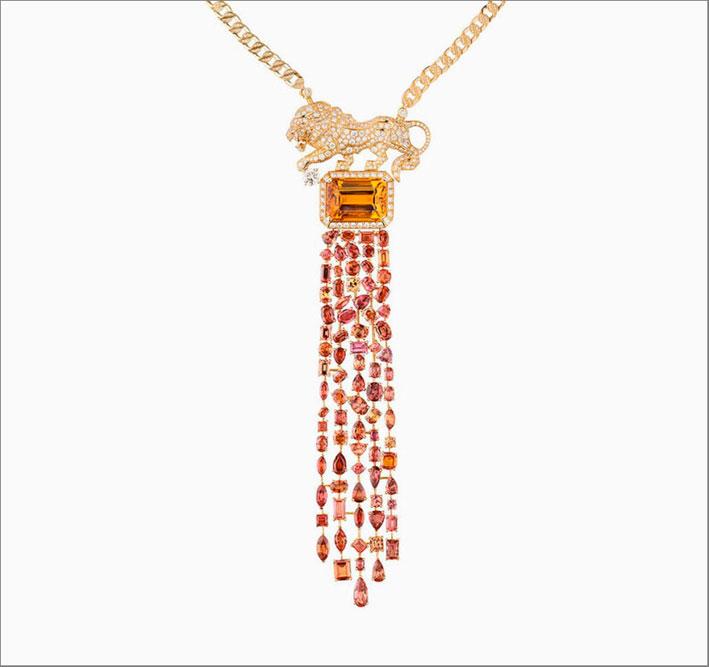 Collana Eternal in oro bianco 18 carati con cinque diamanti taglio goccia, otto diamanti taglio rotondo, due diamanti taglio ovale, 22 diamanti taglio fancy e 2.039 diamanti taglio brillante