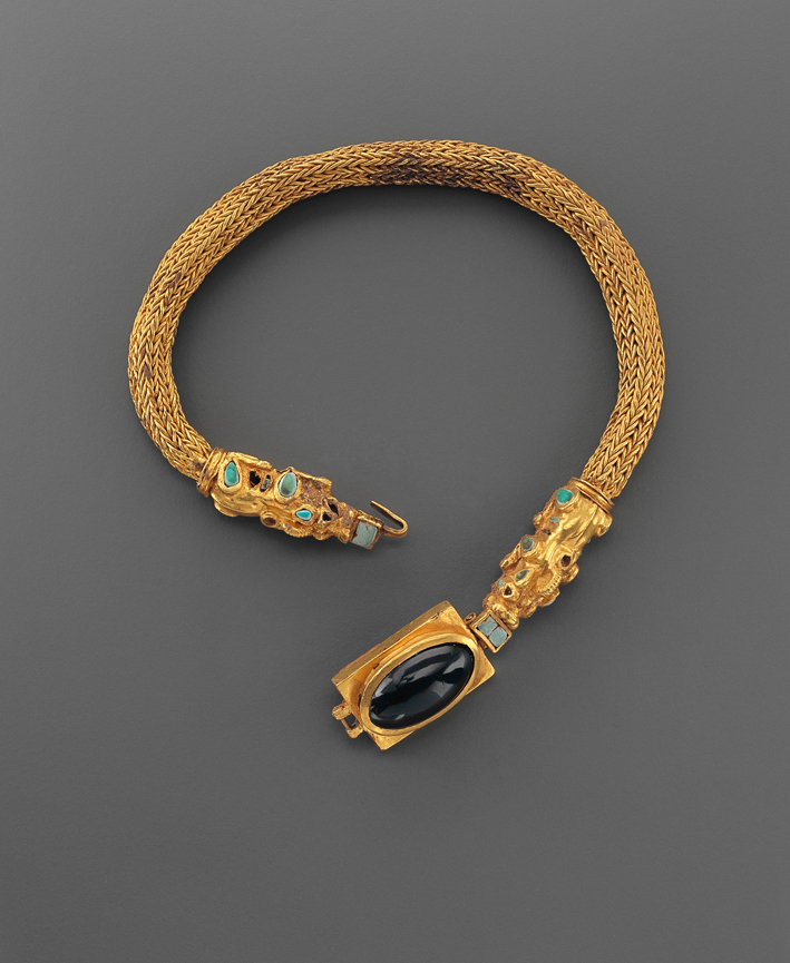 Collana fenicia in oro, turchesi e ametista