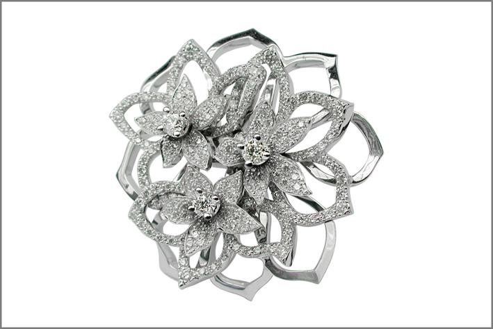 Anello Gelsomino, in oro bianco e diamanti