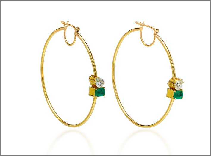 Orecchini in oro giallo, smeraldi e diamanti