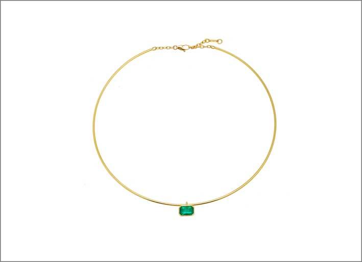 Collana in oro giallo con smeraldo dello Zambia