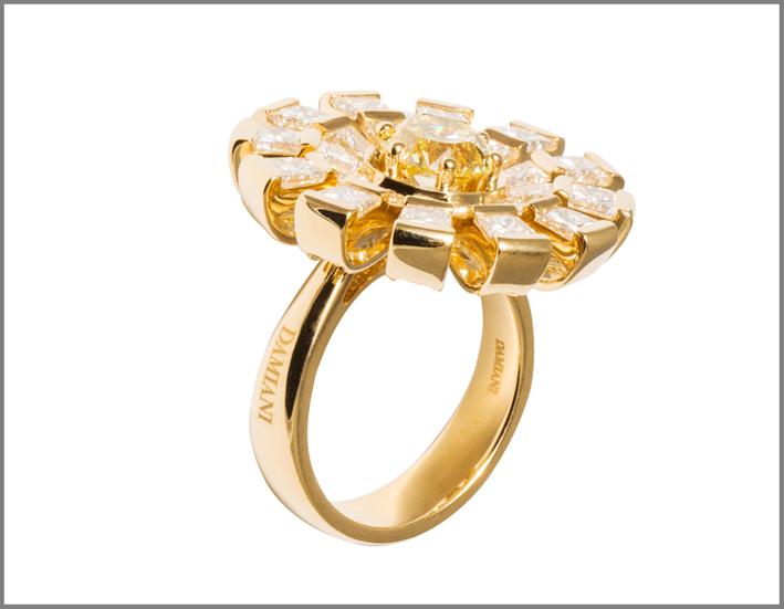Anello della collezione Margherita in oro giallo e diamanti