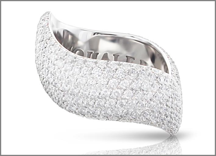 Pasquale Bruni, anello in oro bianco e pavé di diamanti