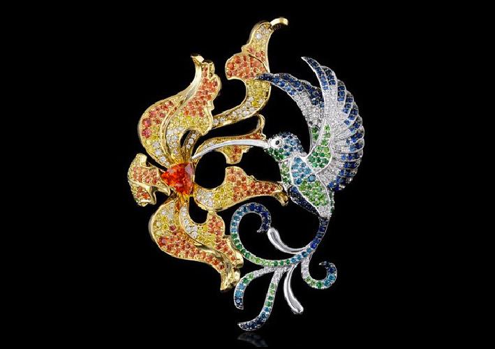 Master Exclusive Jewellery, uccello che succhia il nettare, Oro bianco e giallo, tormaline, zaffiri, rubino, smeraldi, diamanti