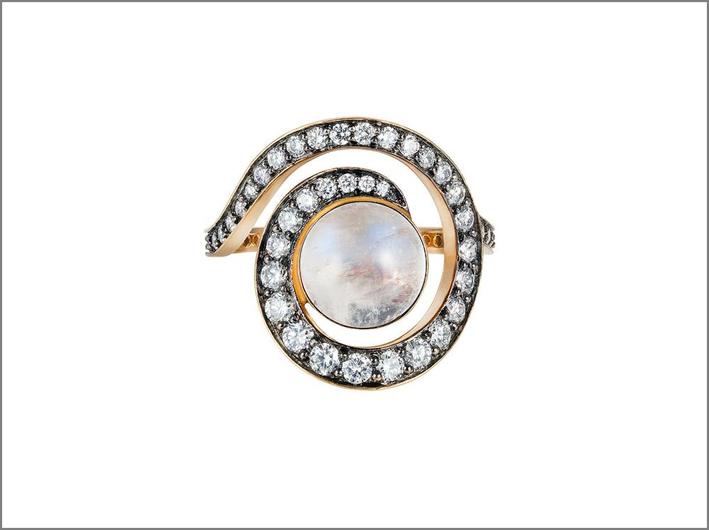 Anello a spirale Rainbow in oro rosiato, diamanti, pietra luna