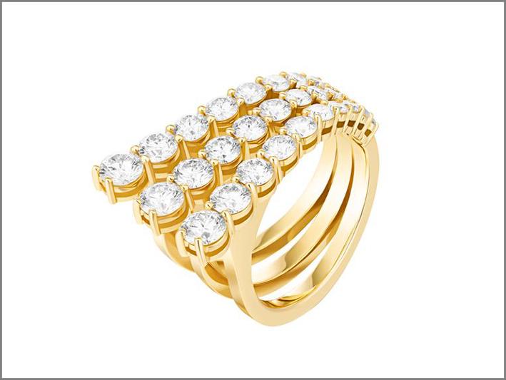 Anello in oro giallo e diamanti. Prezzo: 14.750 dollari