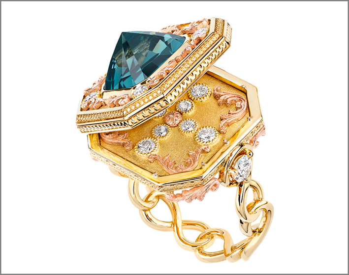 Anello apribile in oro gialloe rosa e diamanti con raro spinello blu