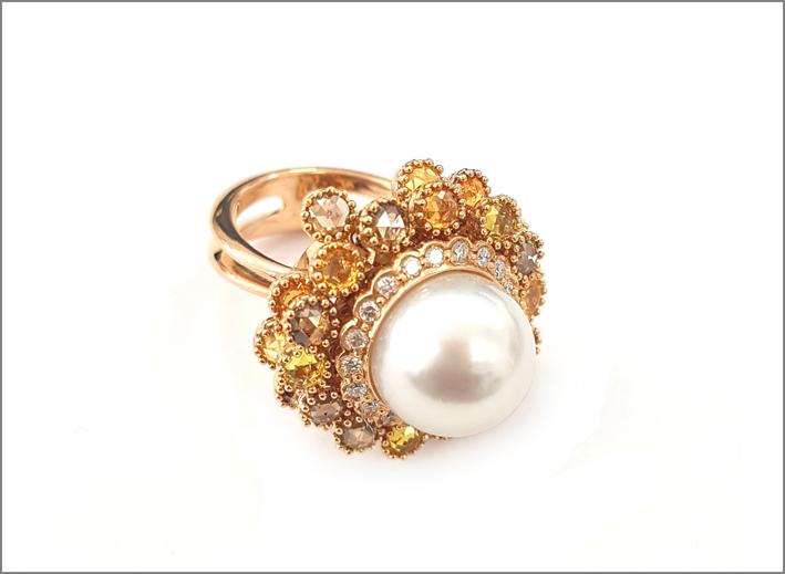 FancsV, anello in oro 18 carati con diamanti e perla