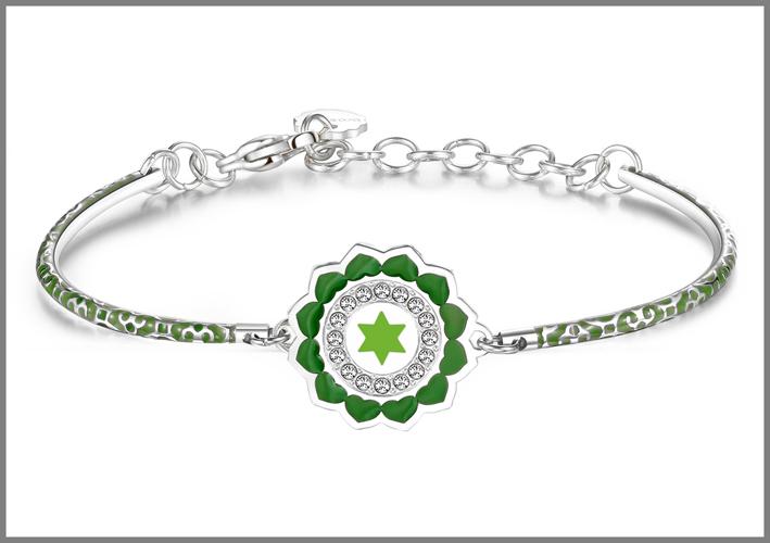 Bracciale in acciaio con smalti verdi e cristalli Swarovski Elements chakra i love. Prezzo: 34 euro