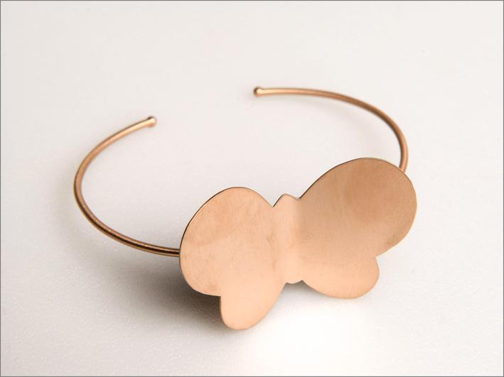 Bracciale in oro 9 carati con farfalla
