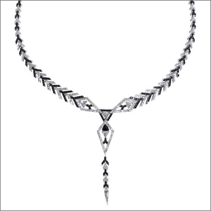 Collana Arrow, con diamanti bianchi e neri