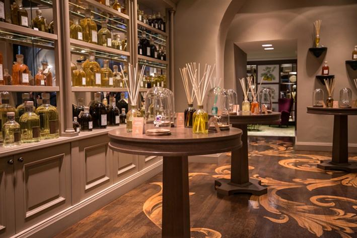 Il flagship store di Roma del Dr.Vranjes con i gioielli di Gaia Caramazza