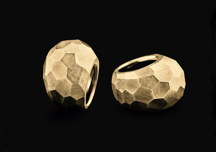 Goldschmiede Dreier, anello sfaccettato