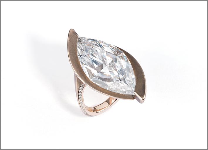 Glenn Spiro, anello con diamante taglio marquise su oro rosso e bronzo, 1962